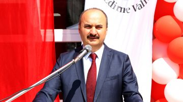 Vali Canalp Edirne'nin nüfusuna oranla aşılamada Türkiye'de birinci kent olduğunu belirtti