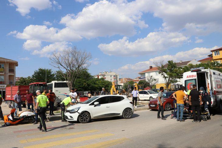 Edirne'de motosikletle otomobil çarpıştı: 2 yaralı