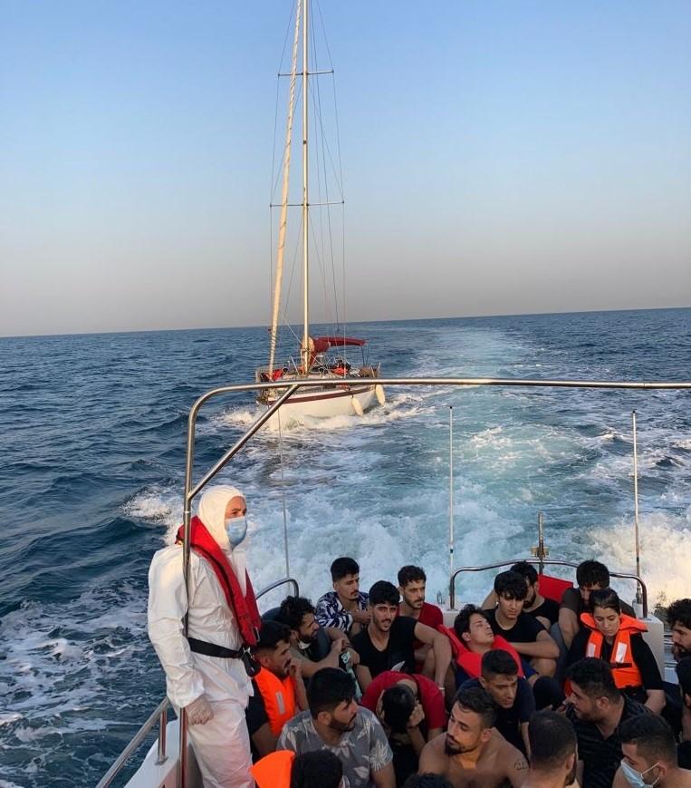 Çanakkale açıklarında 63 yabancı uyruklu yakalandı