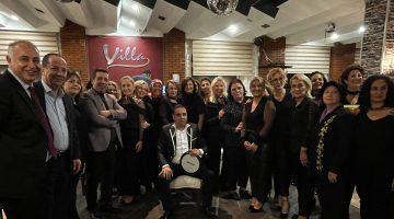 Edirne'de ev kadınlarının kurduğu ritim grubu ilk konserini verdi