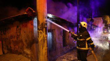 Edirne'de müstakil ev, yangın sonucu kullanılamaz hale geldi