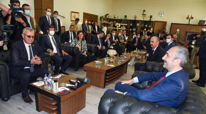 Adalet Bakanı Gül, Keşan'da ziyaretlerde bulundu