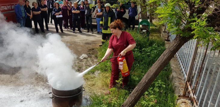 Keşan Belediye İtfaiyesi Keşan Devlet hastanesi'nde yangın tatbikatı gerçekleştirdi