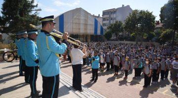 Keşan Belediye Bandosu eşliğinde her hafta okullarda İstiklal Marşı söylenecek
