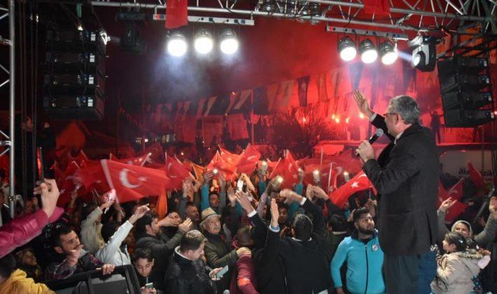 Helvacıoğlu, İzzetiye ve Cumhuriyet Mahallelerinde Konuştu.