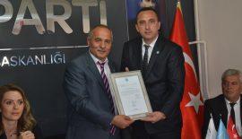 İYİ Parti Keşan İlçe Başkanı Zafer Sarıkeçe'ye Yetki Belgesi Verildi.