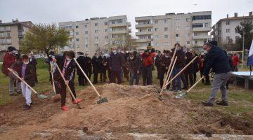 11 mahalleye 11 semt sahası temel atma törenini çocuklar gerçekleştirdi