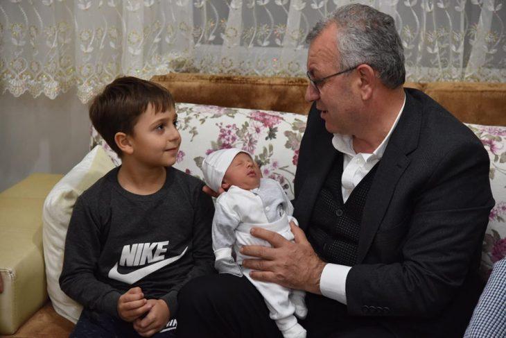 """Keşan Belediye Başkanı Mustafa Helvacıoğlu'ndan """"Hoşgeldin Bebek"""" Ziyaretleri Başladı"""