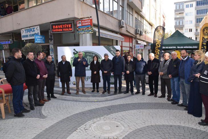 Keşan Belediyesi tarafından 1 Aralık 2019 Pazar günü Artı Çarşı'da İzzeti İkram Pazar açıldı.