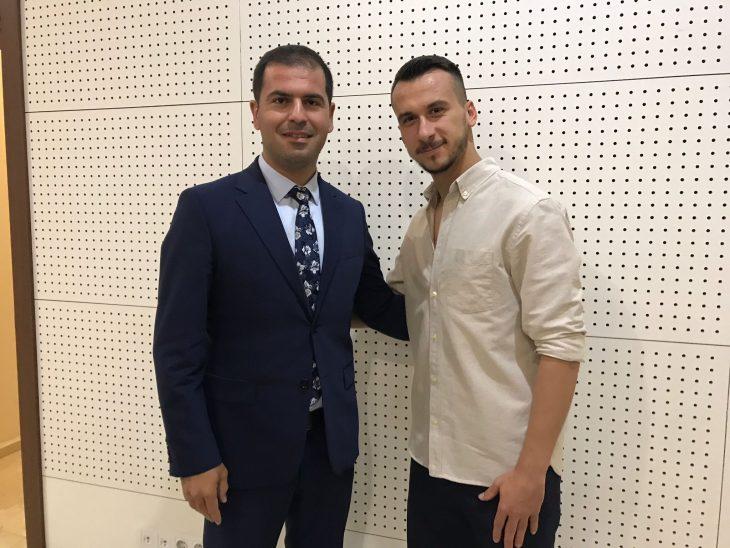 Nehir Gergin, Batuhan Er'i şampiyonluktan dolayı kutladı