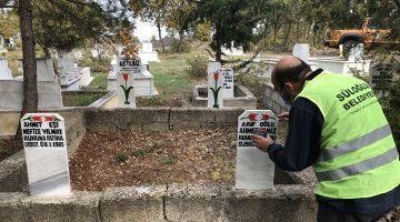 Süloğlu Belediyesi Tüm Mezar Taşlarının Boya ve Bakımını Yapıyor