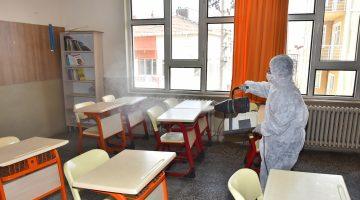 Malkara Belediyesi Koronavirüse karşı okulları dezenfekte ediyor