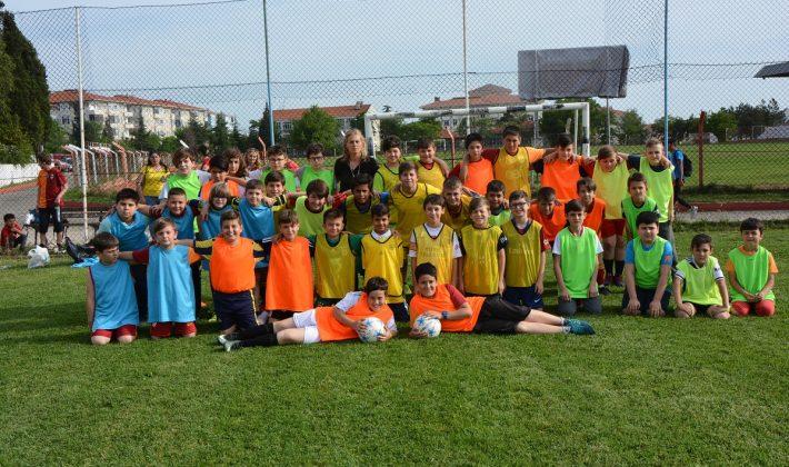 Keşan Belediyesi'nin Yaz Futbol Okuluna Büyük İlgi…