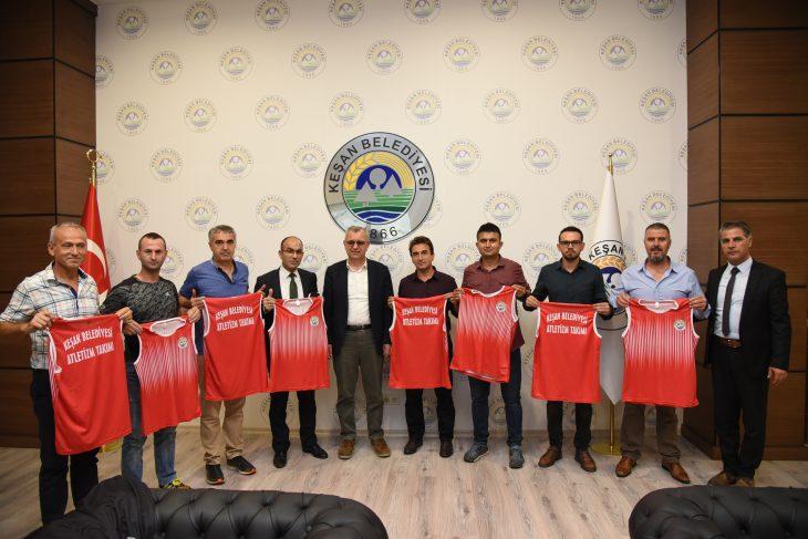 Keşan Belediyesi Atletizm Takımı'ndan Mustafa Helvacıoğlu'na Ziyaret