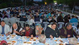 Keşan Belediyesi'nin İftar Yemeği Mustafa Kemal Paşa Mahallesi'ndeydi