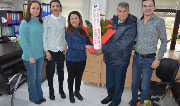 10 Ocak nedeniyle Özcan'dan Basına Çiçek…