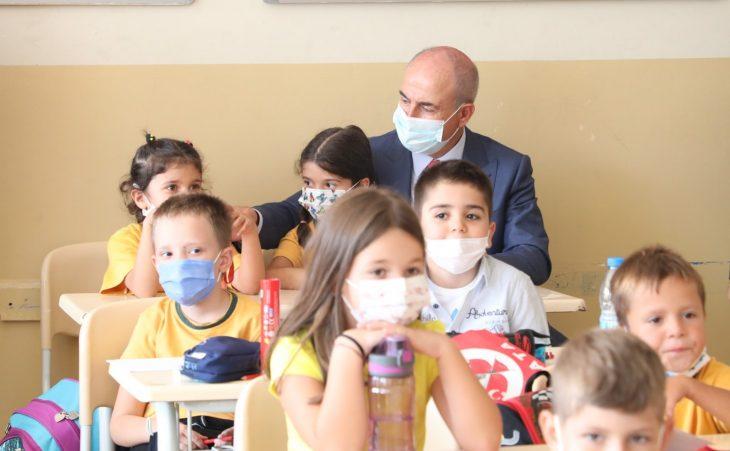 Başkan Akgün: Çağdaş medeniyetler düzeyine ulaşabilmek için Atatürk'ün yolundan ayrılmayın