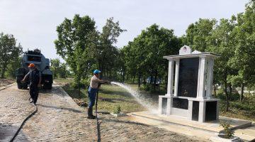 Süloğlu'nda Bayram Öncesi Mezarlık Yolu Parke Taş Yapıldı