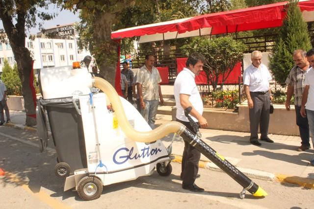 Keşan Belediyesi Yol Süpürme Makinası aldı…