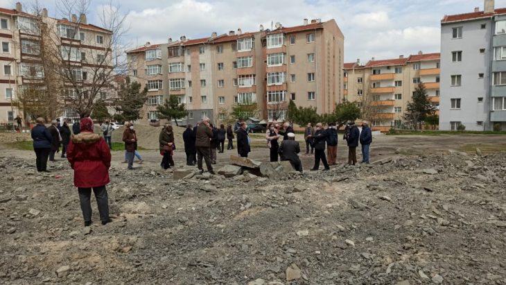 Çamlıkent'te semt sahası tartışması