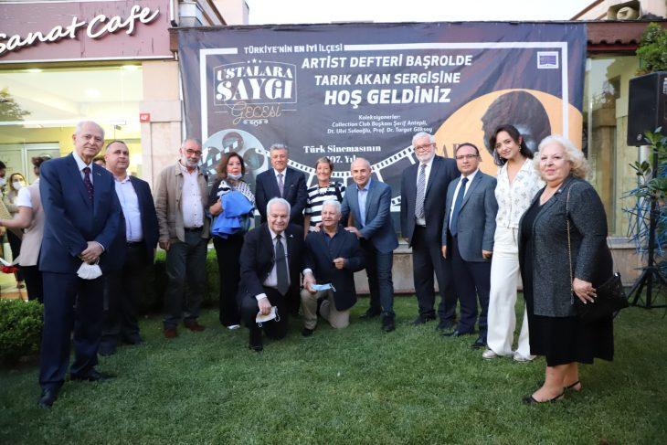 """Usta oyuncu Tarık Akan """"Ustalara Saygı Gecesi""""nde anıldı"""