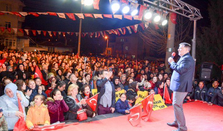 Şenol Yalı'dan Mustafa Kemal Paşa Mahallesi'nde Selfieli Miting