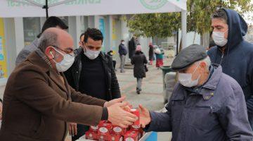 Edirne'de Regaip Kandili dolayısıyla 15 bin kandil simidi dağıtıldı