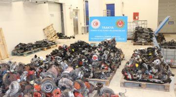 Hamzabeyli Sınır Kapısı'nda hurda yüklü olduğu beyan edilen tırda kaçak oto yedek parçaları ele geçirildi