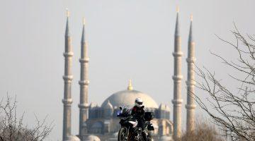 """Motosiklet tutkusunun peşinden giden """"Yunus polisi Afife"""" çocukluk hayalini gerçekleştirdi"""