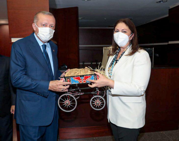Ak Parti Edirne İl Başkanı İba, Cumhurbaşkanı Erdoğan'a, üreticinin dileklerini iletti