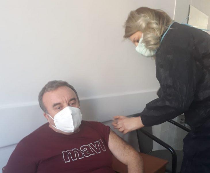 60 – 65 yaş arası covid aşısı uygulaması Keşan'da başladı