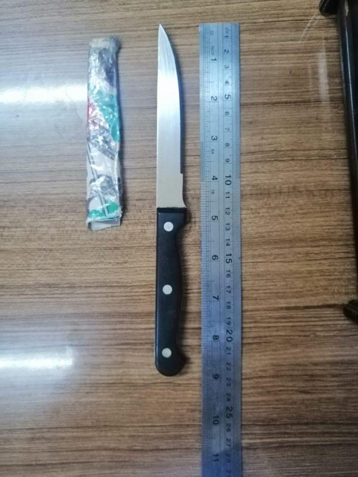 Bıçakla Bakkal Yağmaladı Polisten Kaçamadı