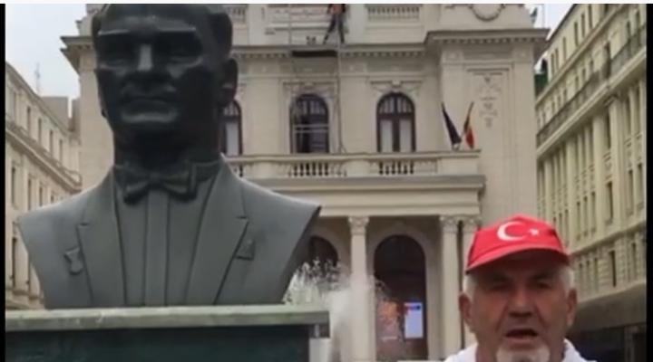 Bülent Türker Bükreş'te Atatürk Anıtı'nı ziyaret etti
