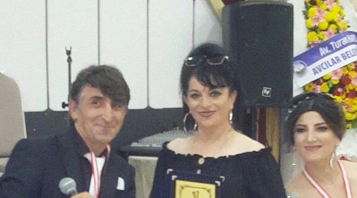 Belgin Gül, İmaj Magazin Sanat Ödülleri'nde Bestekar ve Söz Yazarı Ödülü kazandı