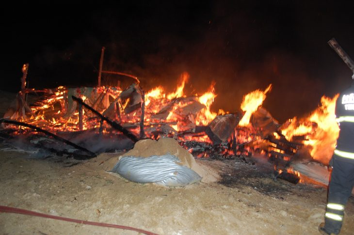 Malkara'da bağ evi alev alev yandı (Videolu)