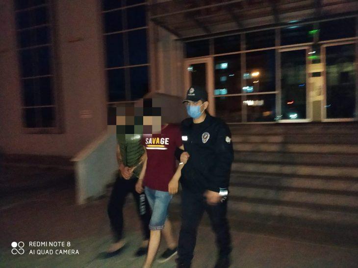 Sanayideki 3 dükkandan hırsızlık yapan 2 suçlu tutuklandı