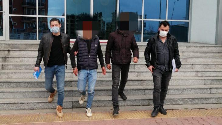 Araması olan iki kişi Keşan'da yakalandı