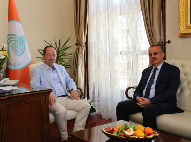 Vali Özdemir'den Gürkan'a ziyaret…