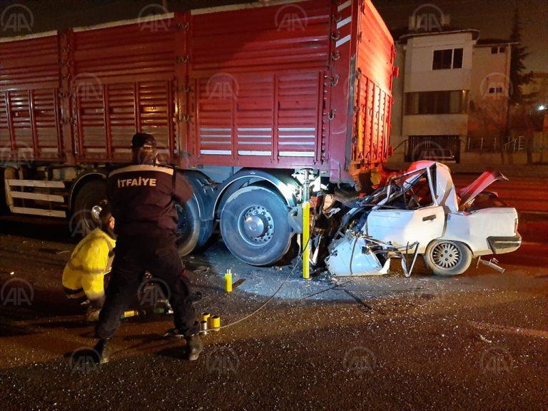 Keşan'da tırla çarpışan otomobilin sürücüsü öldü