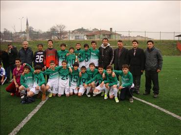 Ahmet Yenice Ortaokulu Futbolda İl Şampiyonu oldu…