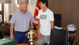 Wimbledon Şampiyonu ilk Türk Yankı Erel Başkan Eşkinat ile buluştu